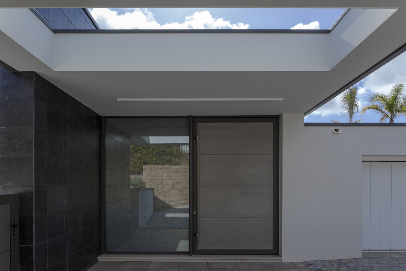 SlimLine 38 Doors, Hi-Finity Sliding Systems and CF 77 Sliding Systems - House Pattan - House 3 located in Spain